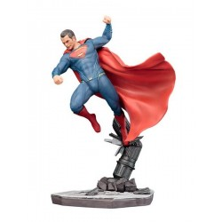 FIGURA BATMAN VS SUPERMAN ARTFX SUPERMAN 21 CM